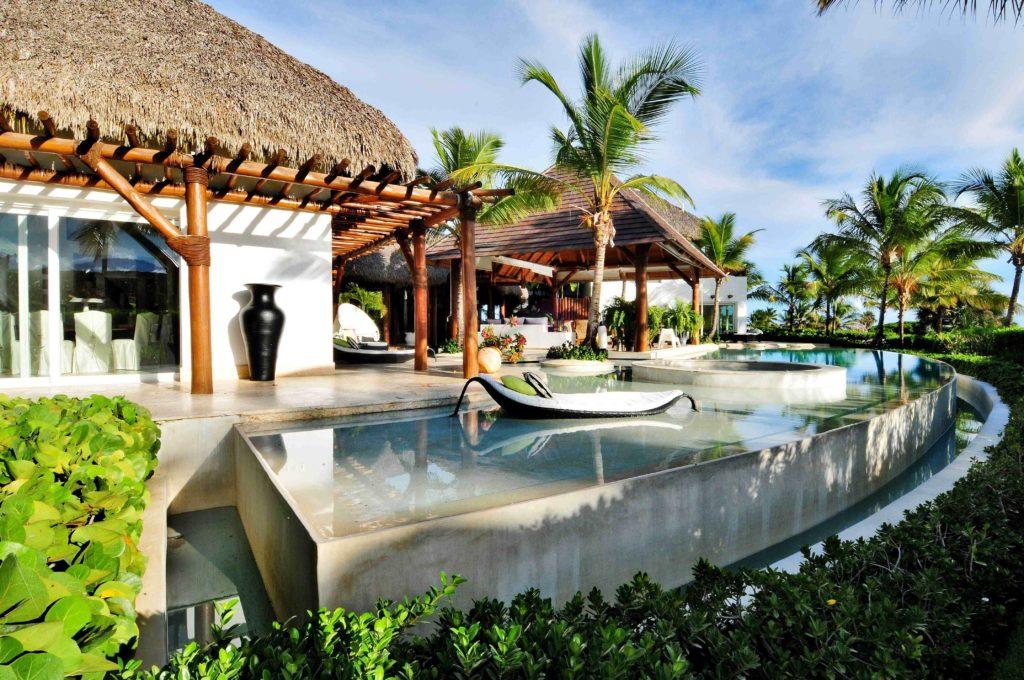 villa for sale caleton estates 57 swimming pool