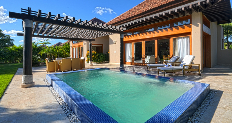 Green Village A-122 Villa for sale exterior piscina terraza